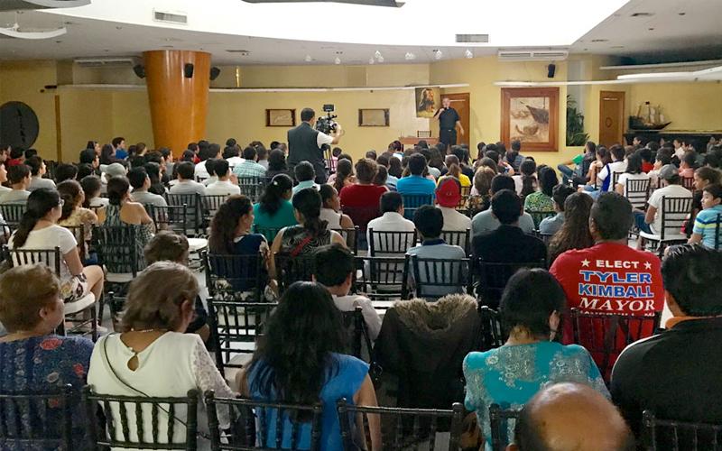 Conferencias del P. Ángel Espinoza, L.C. en Acapulco